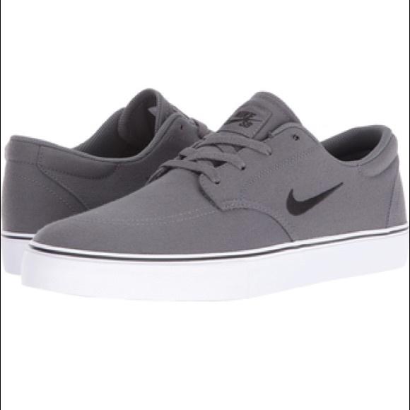 62d48bc65dad9 Nike SB Clutch Skate Shoes Grey. M 5b6688685098a03ae3759fee